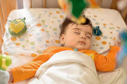泣かせっぱなしにして泣きやむ力を育てると、よく寝る子に育つ│10歳までに始めたい子育て習慣 第2回