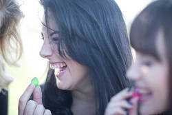 カンロは「糖質制限ブーム」なんて気にしない│「健康のど飴」が定着、「虫歯予防」飴も