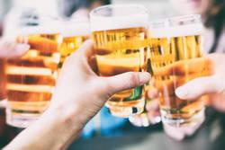 「職場の飲み会」で押さえるべき3つの心得|「上司との会話」は2種類の質問を使い分ける