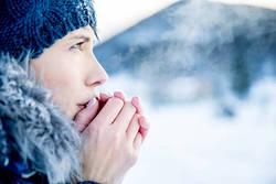 「寒さ」に負けない身体になるために知っておきたい【原因・リスク・対策】
