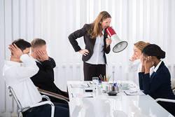 要注意!職場における「パワハラの典型」6つ 指導のつもりはNG、懲戒処分や訴訟リスクも