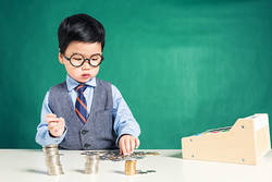 子どものお小遣い制度はマネー教育のチャンス!専門家が賢い与え方を解説