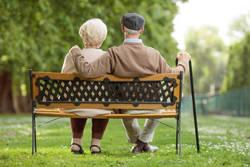 「平均寿命が短い都道府県」男女別ランキング|男性ワースト県とベスト県の差は3年以上も