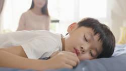 【歯科医監修】大人も子どもも?歯ぎしりの原因と対策<子ども編>