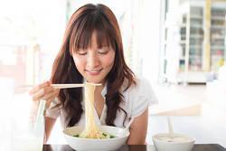 食べてOK!やせる「麺類の食べ方」4つのコツ|ラーメンもパスタも!「超簡単な方法」は?