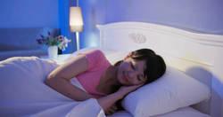 一人暮らしの部屋で快適な睡眠をとるには?布団のメリットやお手入れ方法を紹介