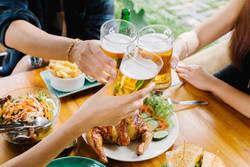 胃腸がラクに!「酒とつまみ」最高の組み合わせ|飲む人に教えたい「食前キャベツ」習慣