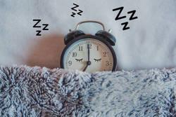 10年後「死亡率」が最も低い睡眠時間は何時間か| 日本人が知らない睡眠負債の恐怖
