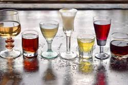 「飲む前に牛乳」「チャンポンは悪」は都市伝説か |健康を害さない「お酒の飲み方」の基本