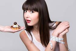 【絶対やせたい人必見】ダイエット中の誘惑に負けない3つの秘策とは?