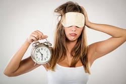 【「眠れない…」を解消】管理栄養士直伝!今日からできる「不眠解消」の一工夫とは?