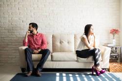 夫が子どもをコブシで強打、どうすればいい?| 養ってもらうため、家庭内暴力に耐える日々