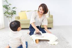働くママに聞く、家事育児で最も大変だと思うことは? 夫婦の分担の割合も