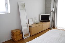 【6畳インテリア】ミニマリストともこさんの〝小さな部屋を広く見せる〟テクニック