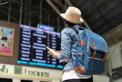 海外旅行中、iPhoneをもっとお得に使う裏技|Wi-Fiルーターを借りる以外に方法がある