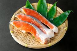 ダイエットを成功させる簡単レシピ - 痩せにくい梅雨の時期は鮭を食べよう