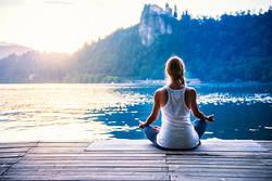 いつでもどこでも手軽に瞑想。初心者におすすめのマインドフルネス無料アプリ3選