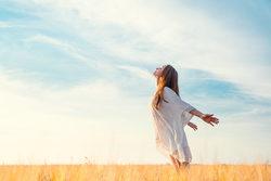 一瞬で眠気を覚まし、仕事のモチベーションを上げる呼吸法