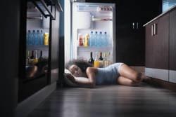 睡眠の質を高めて夏バテを防ぐ! 医師が勧める解消法
