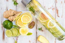 美肌作り&美味しく喉を潤す夏のデトックスウォーターレシピ