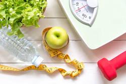 生理前に太りやすい理由と効率的なダイエット法を医師が解説