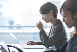 女性が働くうえで不利を感じるのは、どんなこと?