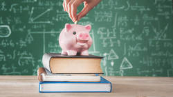 幼保無償化による補助金の使い道、2位は「貯金」 - 1位は?
