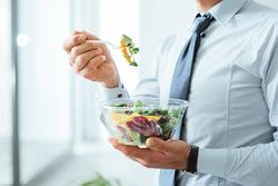 ダイエット中に食事を減らしても体重が落ちない理由