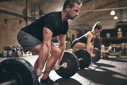 男を磨くダイエット法 第47回 ダイエットを成功させるデッドリフトのコツ