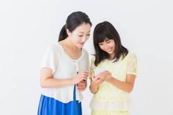 初めてスマホを持たせた親が子どもと決めた「スマホ利用ルール」とは
