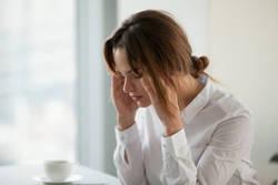 女性ホルモンのバランスが崩れる原因と対処法