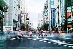 新宿三丁目「伊勢丹」だけじゃないレトロな魅力|末廣亭から昭和20年代創業の名店、古道具屋も