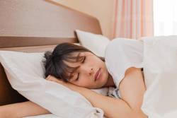 睡眠負債大国の日本人 - 睡眠の質を高めようとして、間違ったことをしている可能性も?