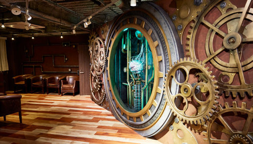 フロント。タイムマシンをイメージ