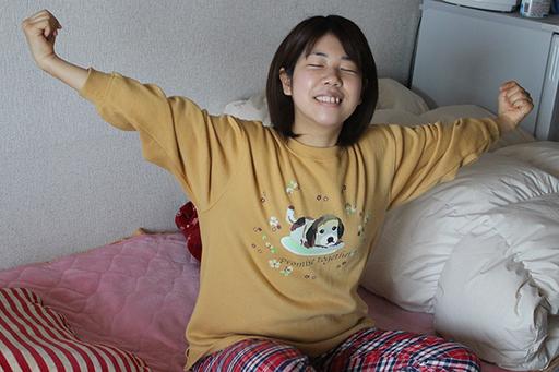 とある春の日、汚らしい自室で目を覚ました木村