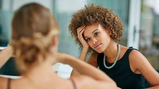 「何を聞くべきか」を誤解していると話は弾みません(写真:laflor/iStock)