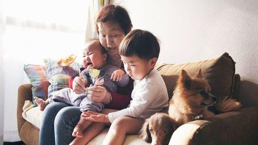 「祖父母との同居や近居は育児にいい」は本当か(写真:kohei_hara/iStock)