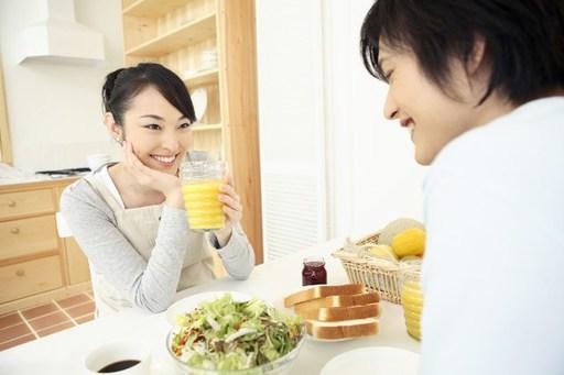 結婚前に同棲を経験すべきかどうか、メリット・デメリットを徹底調査!