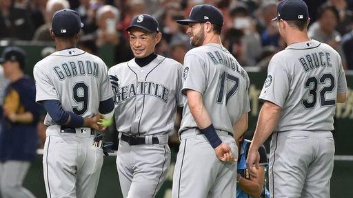 3月21日、東京ドームで行われた「2019 MGM MLB日本開幕戦」試合後に引退を発表したイチロー選手(写真:AFP=時事)