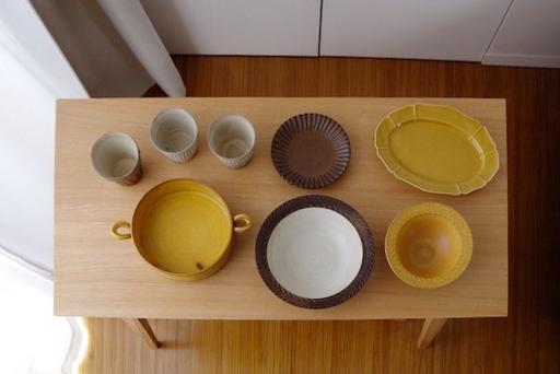 お気に入りの益子焼や若手陶芸家の器をコレクションしている