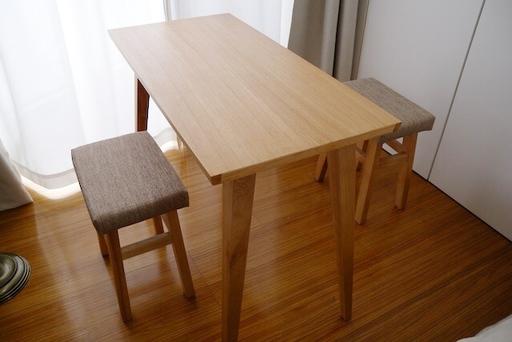 名古屋の家具メーカー『東谷』のオンラインショップで購入したダイニングテーブルとバンビスツール