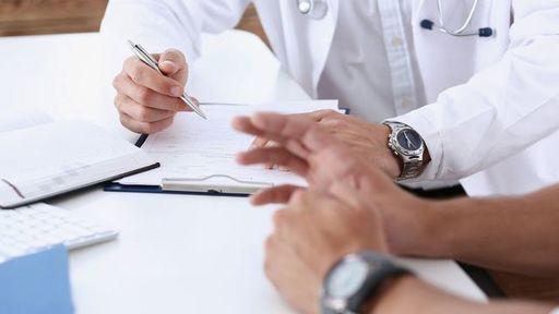 大きい病気になったとき、どのようなことに注意して病気療養すればいいのでしょうか(写真:Ivan-balvan/iStock)
