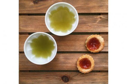 日本茶とクッキーの組み合わせ