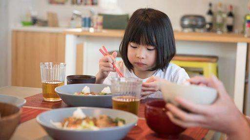 子どもが好き嫌いをする理由について解説します(写真:プラナ/PIXTA)