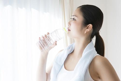 「軽い運動」と「入浴」に加え、「水分補給」も忘れずに