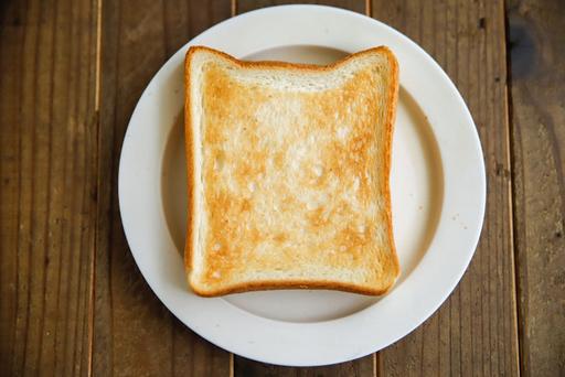 トーストはあらかじめ焼いておく