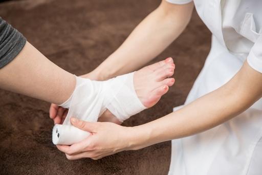傷みや変形を伴う骨折は整形外科を受診しよう