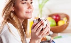 お湯を飲むだけ!簡単なのに効果抜群の「白湯美容」とは?