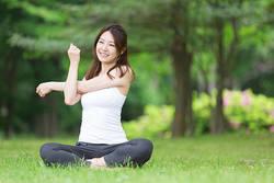 運動って必要?老後に後悔しない運動習慣とは?【医師・三輪真也先生インタビュー(1)】