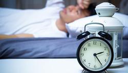 """寝ないと人はどうなるの?""""寝ない""""に潜む意外なリスク【医師コラム】"""